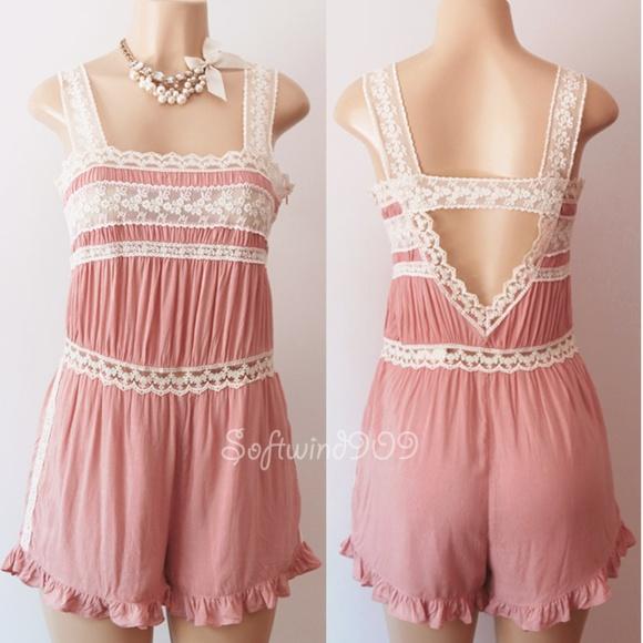 fd3eaf058989 Pink Cream Lace Vtg Open Back Sweet CUTE Romper